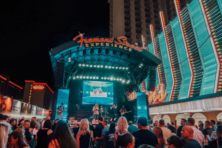 Fly SlotZilla at Fremont Street Experience! – Tripping With My Bff
